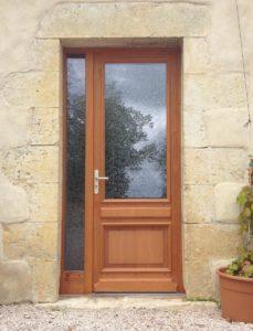 Porte d'entrée en bois exo avec fixe latéral