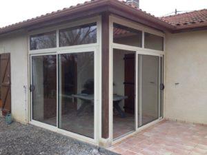 Fermeture de terrasse en aluminium beige