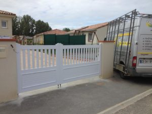 Portail de clôture en PVC Blanc
