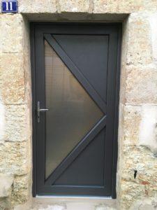 Porte d'entrée DELTA 3 en PVC Gris Métallisé